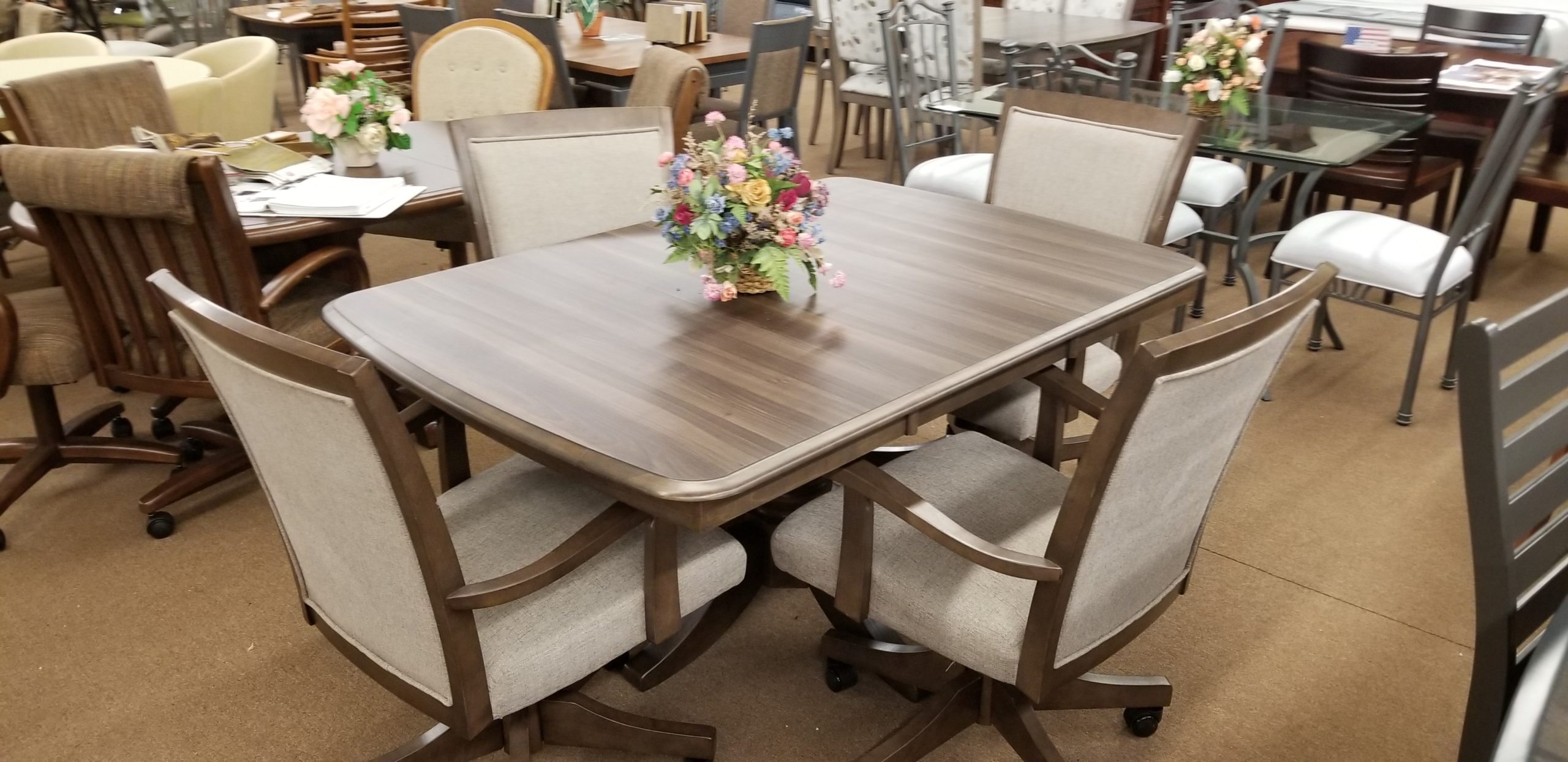 5 Pc Caster Chair Dining Set Clearance King Dinettes